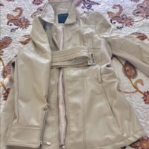 Woman jacket with a belt S